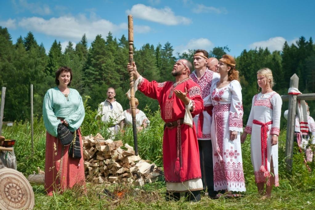 для русский народ культура традиции и обычаи фото показалось, что это